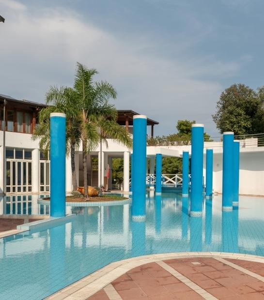 Relax e divertimento nella piscina del Maritalia