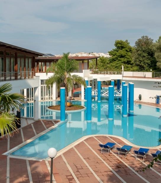 Vista sulla piscina del Village All Inclusive